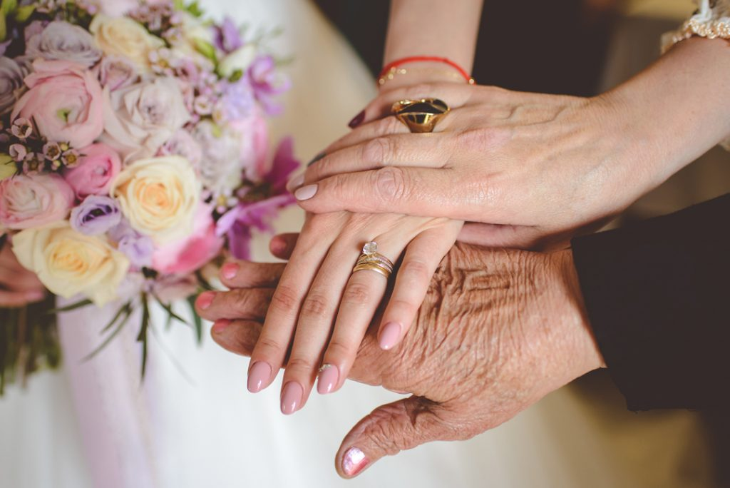 maini 3 generatii | Andi Iliescu | Fotograf nunta