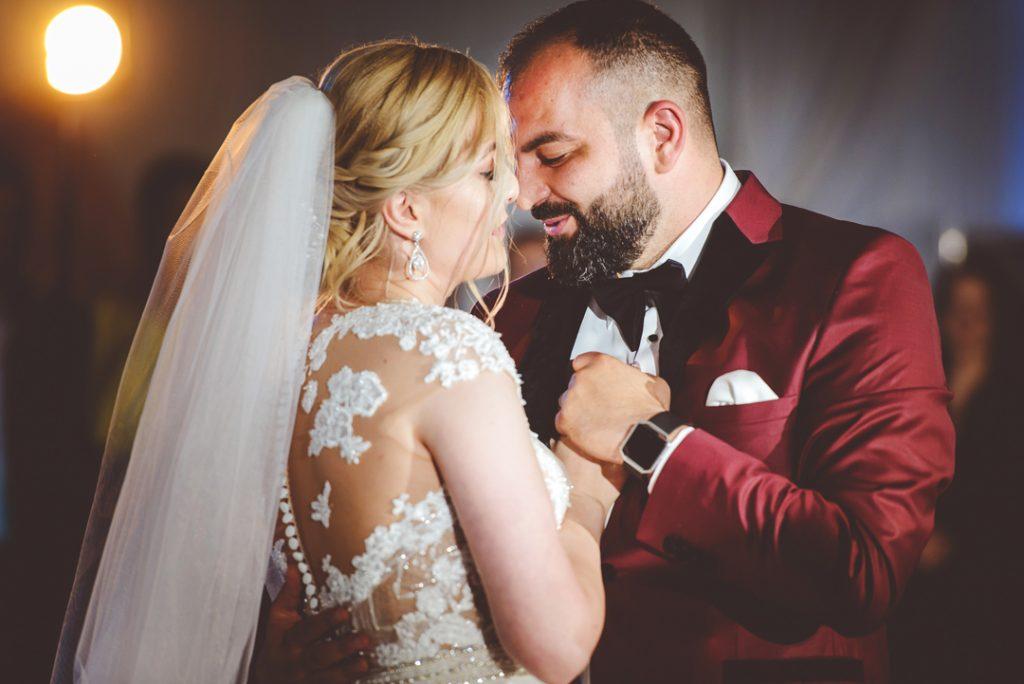 Pasiune la primul dans | Andi Iliescu | Fotograf nunta
