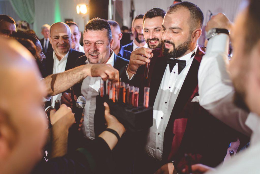 Dans Baieti | Andi Iliescu | Fotograf nunta